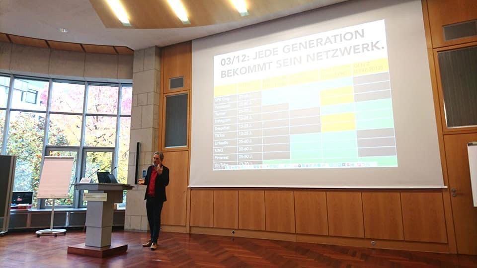 Dominik Ruisinger auf dem Social Media Forum der Sparkassen Finanzgruppe